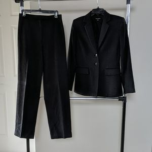 Tahari Cashmere jacket pants suit  4 black grafite